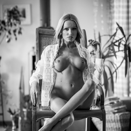 the rockin' chair by Reto Heiz - Nudes & Boudoir Artistic Nude ( erotic, sexy, nude, black and white, nudephotography, nudeart, sensual )
