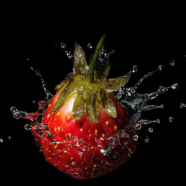 splashberry by Selçuk Gülen - Food & Drink Fruits & Vegetables ( red, splashing, strobist, drops, splash water photography, nikon, strawberry )