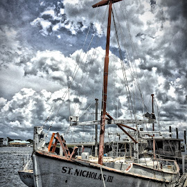 ST. Nicholas III by Charles Pfohl - Instagram & Mobile iPhone ( sponge boat, florida, sea, boat, trapon springs )
