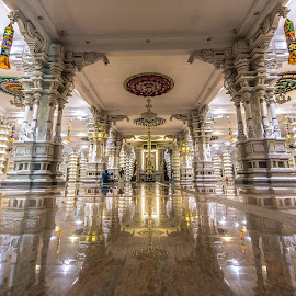 Arulmigu Balathandayuth Temple by Lim Keng - Buildings & Architecture Places of Worship
