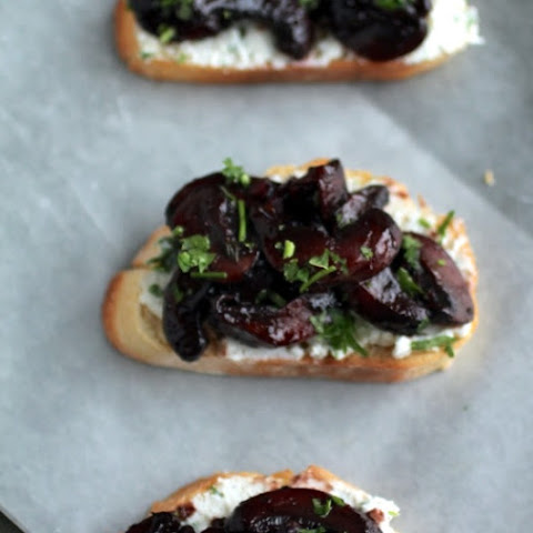 Wine Roasted Mushroom Crostini