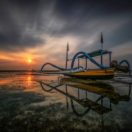 Jukung sunrise by Esther Pupung - Landscapes Sunsets & Sunrises
