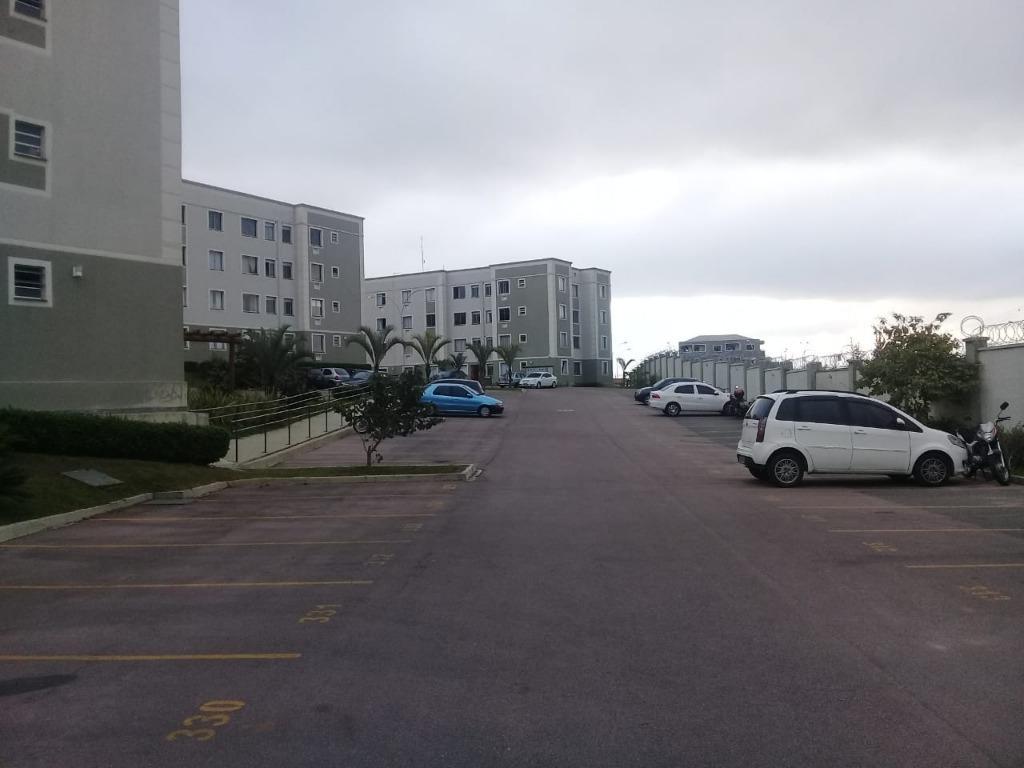 Apartamento com 2 dormitórios à venda, 48 m² por R$ 142.000 - Costeira - Araucária/PR