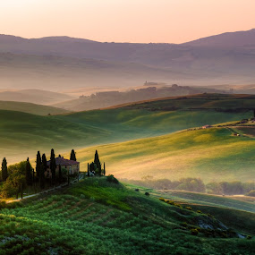 Amazing sunrise in Tuscany by Francesco Riccardo Iacomino - Landscapes Prairies, Meadows & Fields ( countryside, italian, tuscany, podere, house, olive, quiete, tree, italia, nature, hay bale, orcia, hill, mysterious, quirico, mood, agriculture, rural, homestead, country, dawn, hay, agriturismo, haze, val d'orcia, farmhouse, bales, beauty, landscape, spring, farm, idyllic, cypress, italy, picturesque, peaceful, pienza, green, scenics, morning, belvedere, field, amazing, foggy, residence, fog, meadow, dreamland, sunrise, scenery, tuscan, garden )