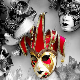 Red Mask by Magdalena Dedić - Novices Only Objects & Still Life ( venezia, red, souvenir, venice carnival italia carnevale venezia, mask )