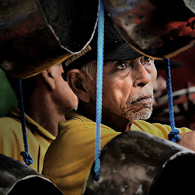 nayogo by Nur Haryadi - People Portraits of Men ( gamelan, java )