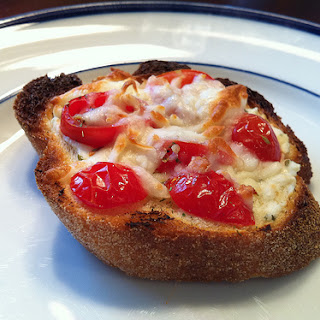 Mini Herb and Tomato Pizza Crostini