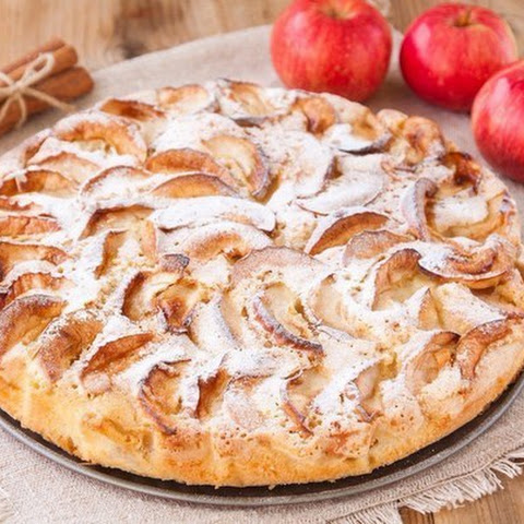 Apple Pie With Raisins And Cinnamon