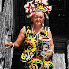 Dayak Women by Rozy Fhotography - People Street & Candids