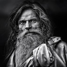 dusk in Agra by Piet Flour - People Portraits of Men ( bw, senior citizen, portrait, man, pwcfaces-dq )