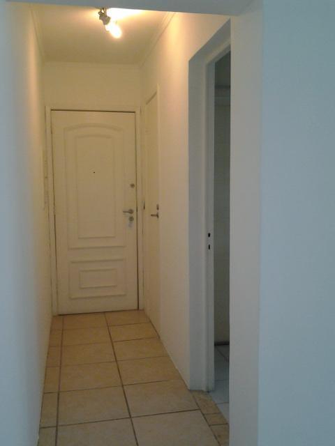 2 Dormitórios, Lindo apartamento em Moema, 1 quadra do shopping, reformado ! Vale a pena conferir!