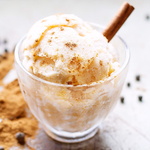 Easy Pumpkin Spice Ice Cream + No Churn Trick