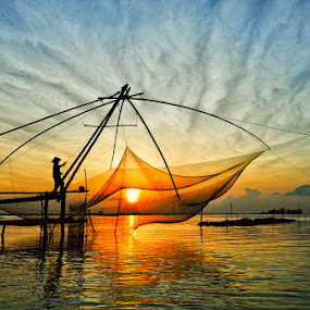 Catch the Sun by Huynh Phuc Hau - Landscapes Sunsets & Sunrises