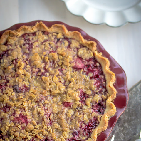 Mountain Berry Crumb Pie
