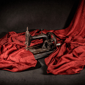 Sewing machine, Helio Santos Photography, Brazil by Helio Santos - Artistic Objects Antiques