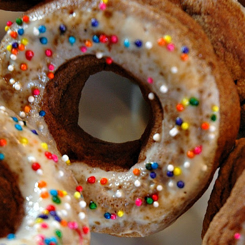 Clean Eating Baked Donuts