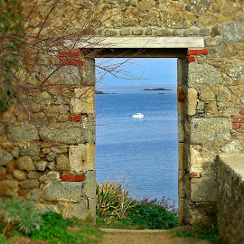 What a view by Ciprian Apetrei - Buildings & Architecture Architectural Detail ( perspective, ocean, brittany, architecture, decay )