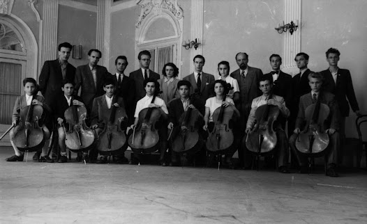 Matz (back row, fourth from the right) stands with Antonio Janigro and a group of cello students in Zagreb.  A young Italian cello virtuoso, Janigro (back row, sixth from the left) came to Zagreb to teach at the Music Academy.  He and Matz then collaborated extensively.
