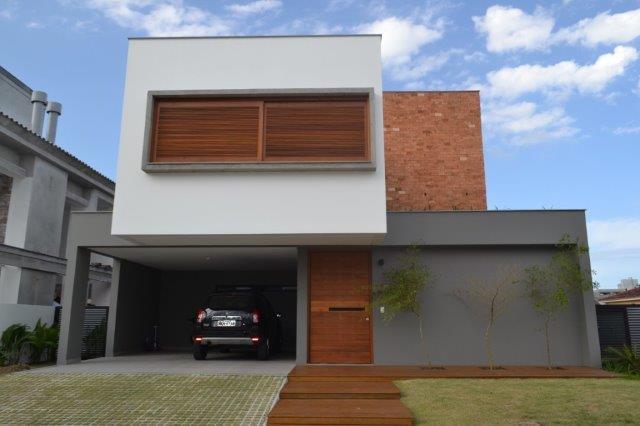 Linda Casa residencial em Condomínio Fechado, Rio Tavares