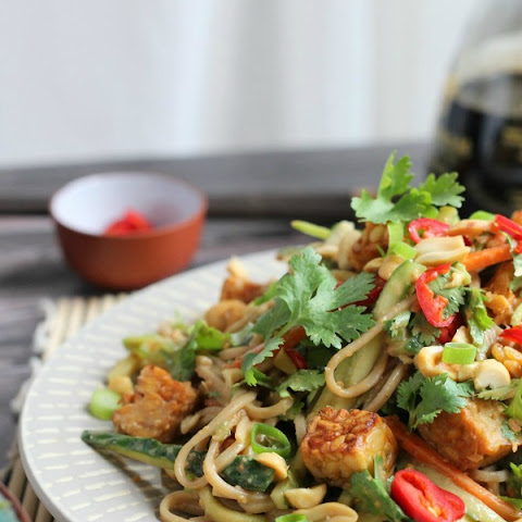 Peanut Soba Noodle Salad with Crispy Tempeh