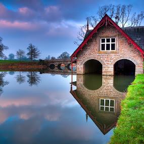DSC_0121 boathouse.jpg