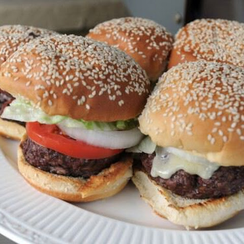Tips on How to Cook Perfect Hamburgers on a Grill