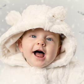 Snowy Smiles by Emma Thompson - Babies & Children Babies