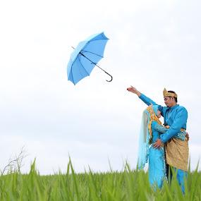 Ku lepaskan Impian ku Untuk Bersama mu by RazeeAsada Akimura - Wedding Bride & Groom