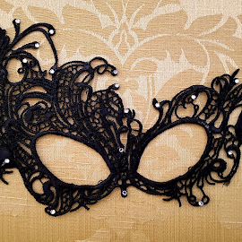 Lace Mask by Ingrid Anderson-Riley - Instagram & Mobile Android