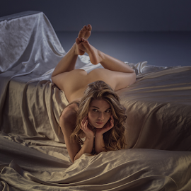 Cat by Dmitry Laudin - Nudes & Boudoir Artistic Nude ( studio, beautiful, light, nude, girl, portrait )