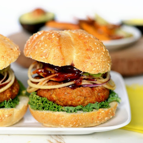 BBQ Quinoa Turkey Burgers with Spiralized Apples
