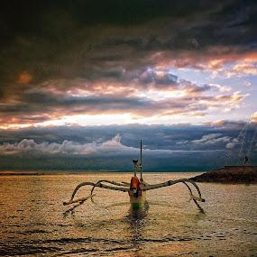 Alone by Johanes Siahaya - Landscapes Sunsets & Sunrises ( bali, indonesia, sunrise, beach, boath )