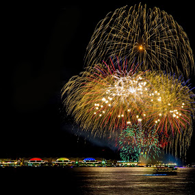 Fireworks over Navy Pier, Chicago No. 4 by Jacob Padrul - Abstract Fire & Fireworks ( chicago skyline, navy pier, night scene, colorful, fireworks, celebration, chicago,  )