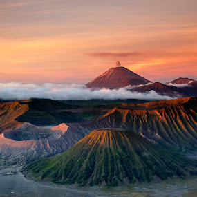 Amazing sunrise by Glen Unsworth - Landscapes Travel ( mountains, volcano, indonesia, java, sunrise, bromo )