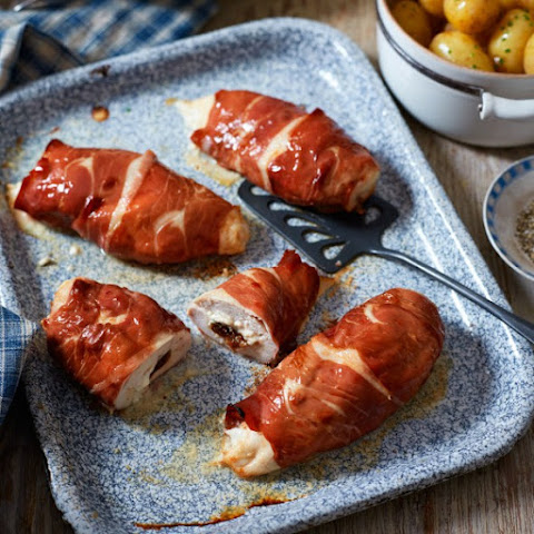 Goat's Cheese And Chutney Stuffed Chicken Breasts