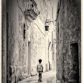 SONRISE by Lino Chetcuti - People Street & Candids