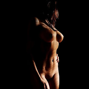 ( B ) by William  de Jesus Tavares - Nudes & Boudoir Artistic Nude