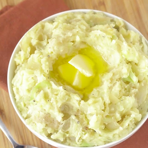 Colcannon (Irish Mashed Potatoes with Greens)