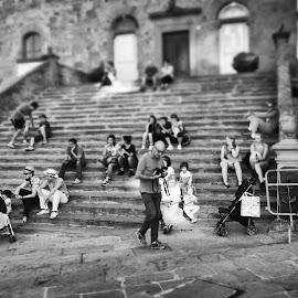 cortona 2 by Francesco Caponi - People Street & Candids