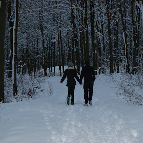 by Beth Alexander - People Couples ( love, winter, snow, friendship, romance )