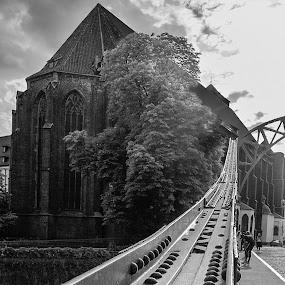 Tumski Bridge - Wroclaw, POLAND by Krzysiek Roznowski - Buildings & Architecture Architectural Detail ( pwcdetails )