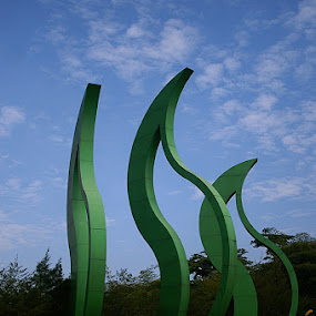 Green ... by Willy Aprillianto - Buildings & Architecture Statues & Monuments ( statue, tidar, monument )