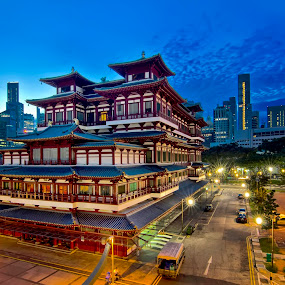 Buddha Tooth Relic Temple by Jashper Delloroso - Buildings & Architecture Public & Historical ( temple, bluehour, chinatown, tooth relic, buddha )