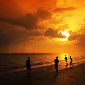 Playing with Sunrise by Farid Wazdi - Landscapes Sunsets & Sunrises