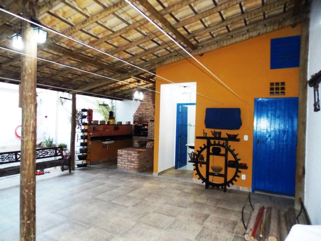Casa 3 quartos bairro São Lucas.