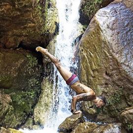 Like Stone by Tyrell Heaton - Instagram & Mobile iPhone ( budokon, yoga )