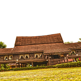 Traditional House by Mohd Khairil Hisham Mohd Ashaari - Buildings & Architecture Homes ( traditiona, house, architecture, landscape, antique, heritage )