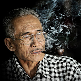 pipe by Chegu Diman - People Portraits of Men ( diman, interest, rol, senior citizen, chegu, human )