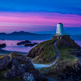 Sunrise at Twr Mawr by Andy Beattie - Landscapes Sunsets & Sunrises ( andy beattie photography, uk, tŵr mawr, europe, west yorkshire, wales, anglesey, halifax, sony alpha, andy beattie, lighthouse, sea, landscape, coast, photography, slta77v, sony, england, sony a77, yorkshire, photographer, landscape photography, slt-a77v, sunrise )