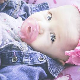 blue eyes by Jenny Hammer - Babies & Children Babies ( baby, girl, sweet, cute, blue eyes )